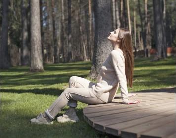"""Aktorė A. Lukaitė pristato pavasariui skirtus ALPACOS gaminius: """"Vertinu iš mados neišeinačius drabužius"""""""