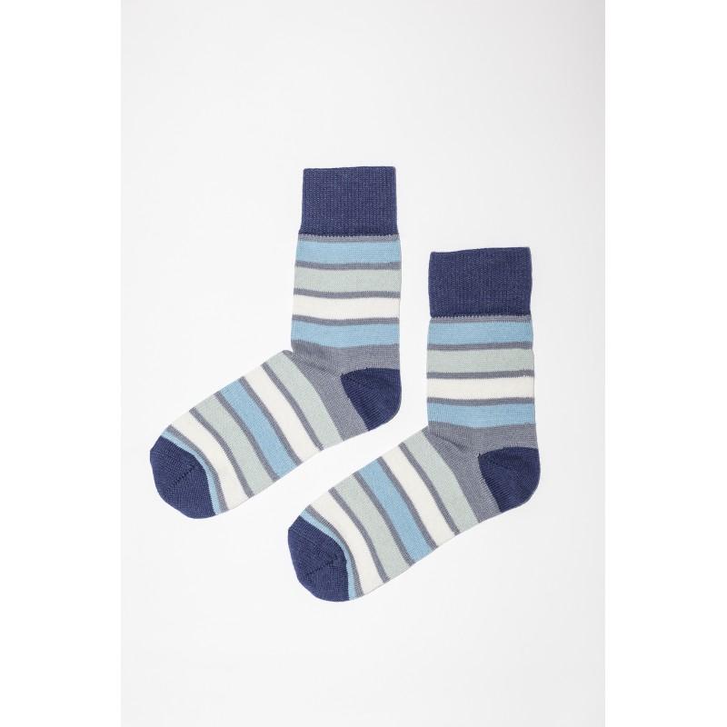 Mėlynos spalvos dryžuotos kojinės
