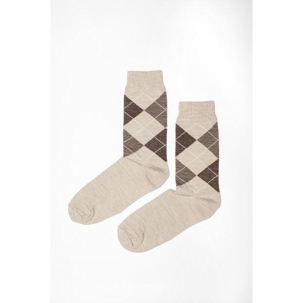 Rudos spalvos rombų rašto kojinės