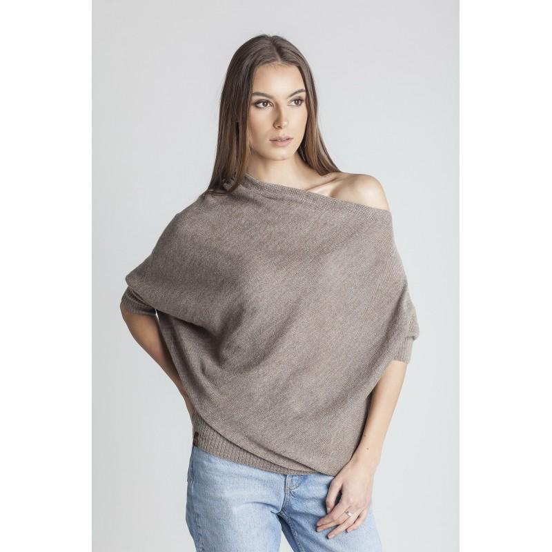 Rusvas asimetrinis megztinis