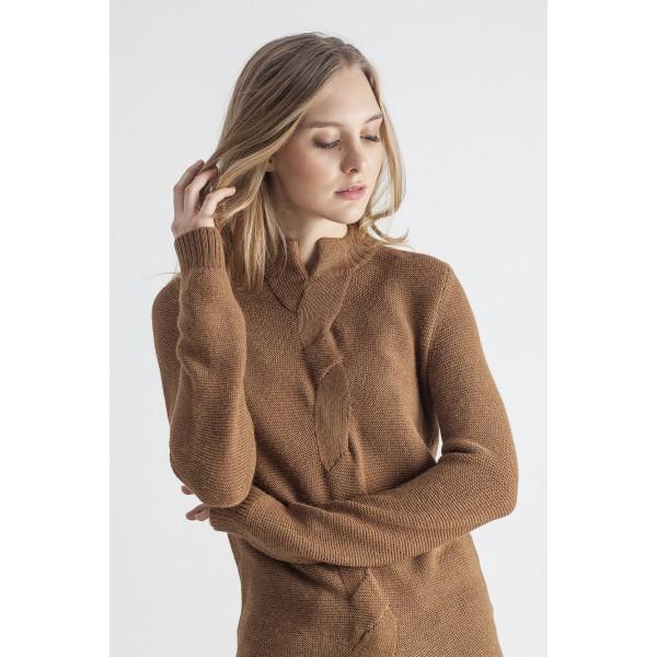 Karamelinės spalvos megztinis su pyne Giselle