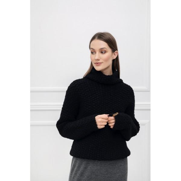 Storo pynimo asimetrinis megztinis Alessa, juodos spalvos
