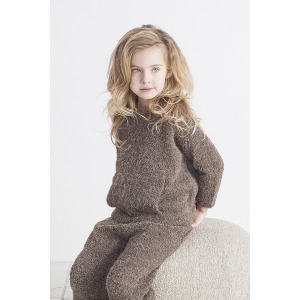 Tamsiai rudas vaikiškas laisvalaikio kostiumas