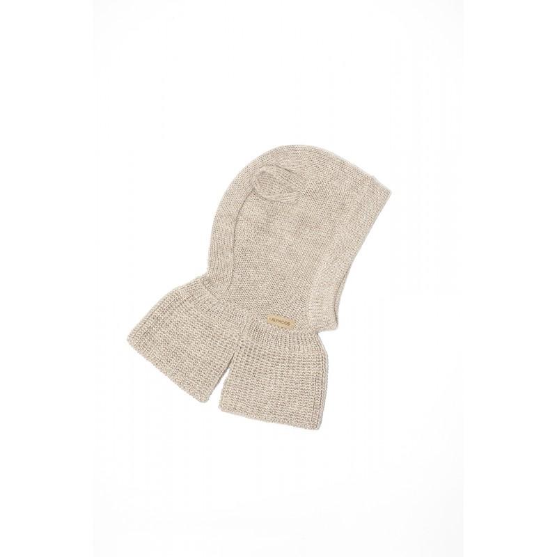 Smėlio spalvos kepurė-šalmukas su ausytėmis